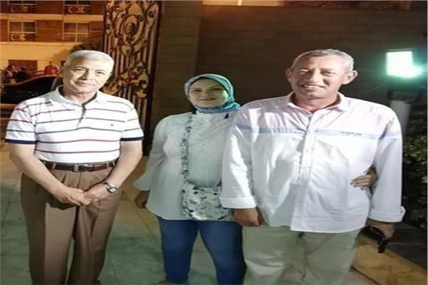 عبير ووالدها مع محافظ المنوفيه