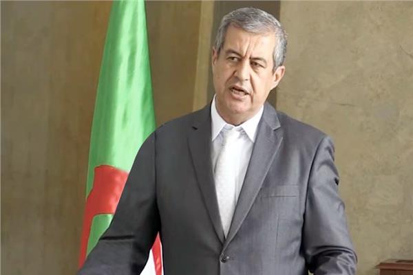 الناطق باسم الحكومة الجزائرية وزير الاتصال حسن رابحى