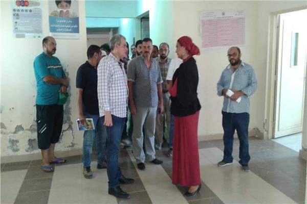 وكيل وزارة الصحة بالبحر الأحمر يتفقد مركز طب الأسرة بمرسى علم