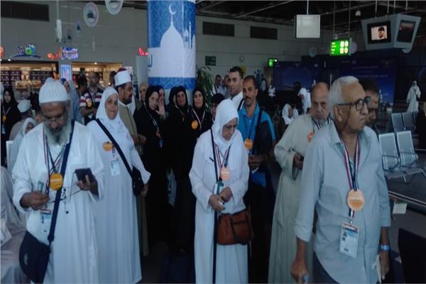 من داخل مطار القاهرة