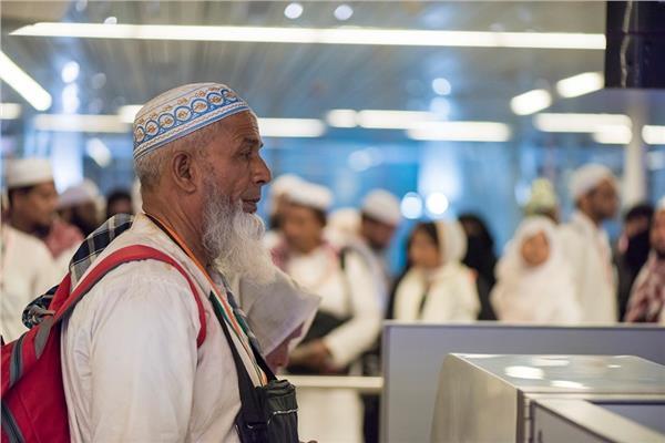 وصول الحجاج بمطار السعودية