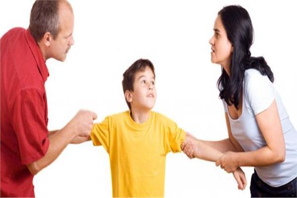 بين الرؤية والاستضافة.. الأطفال ضائعون بالعناد والخلافات