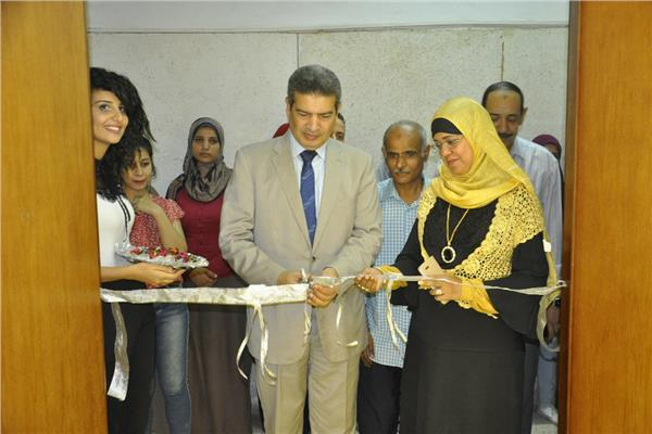 """افتتاح الملتقى التشكيلي الثالث لأعضاء هيئة التدريس بـــ"""" تربية فنية المنيا"""""""
