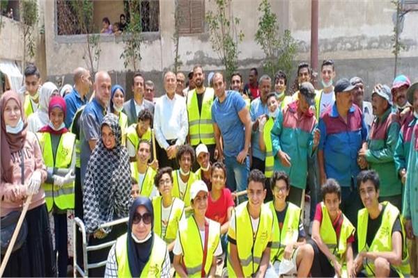 """مبادرة شبابية تحت شعار نظافة """"ملاعب شيحة"""""""