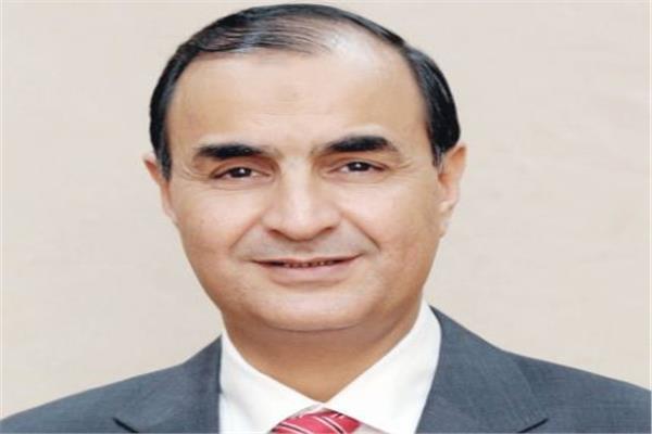 الكاتب الصحفي و رئيس تحرير بوابة أخبار اليوم  محمد البهنساوي