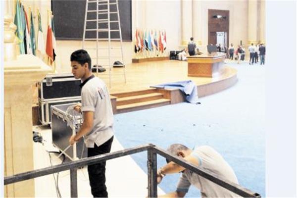 تجهيز القاعة الملحقة التى تشهد نموذج محاكاة الدولة المصرية