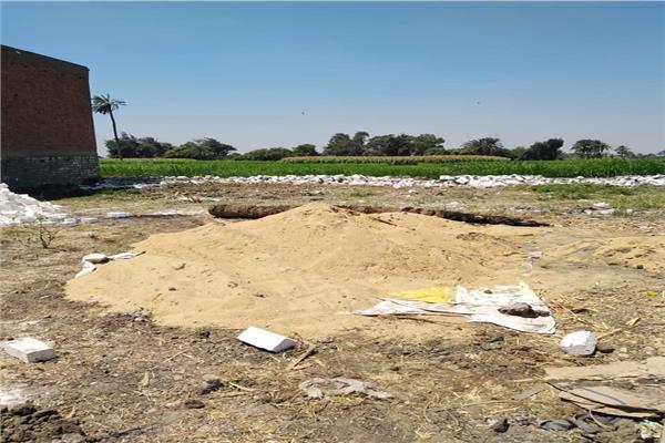 إزالة التعديات على الأراضي الزراعية في الفيوم