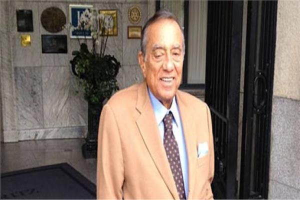 رجل الأعمال حسين سالم