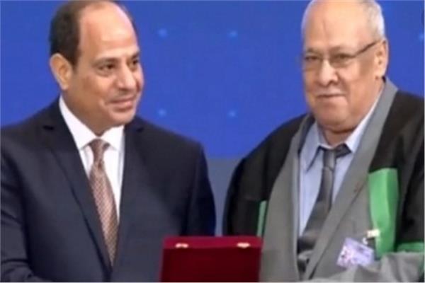 الاستاذ محمود محمد النحاس