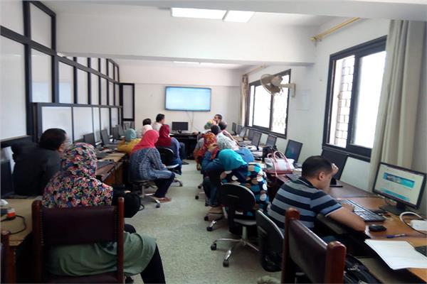 تدريبالعاملين بجامعة دمنهور على البرامجالرقمية المتخصصة