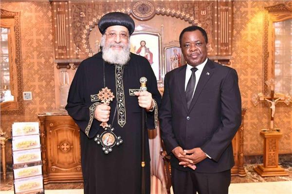 البابا تواضروس يستقبل سفير غينيا الاستوائية