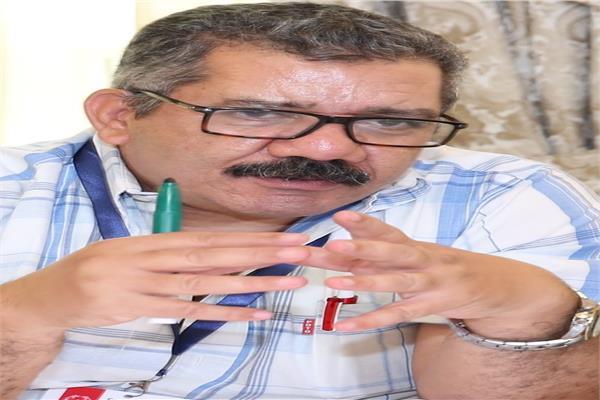 الكاتب الصحفي محمد الشحات