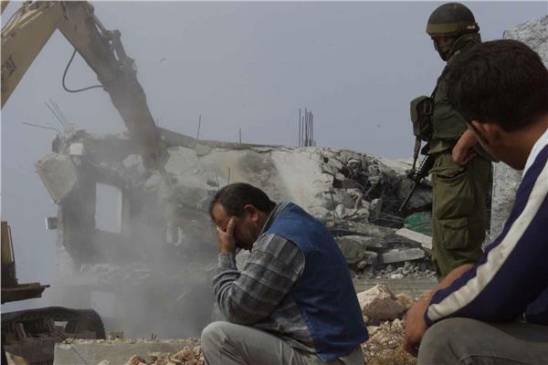 الاحتلال الإسرائيلي يجبر فلسطينيا في القدس على هدم منزله بنفسه