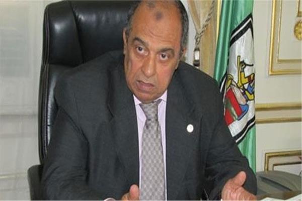 الدكتور عز الدين أبوستيت وزير الزراعة