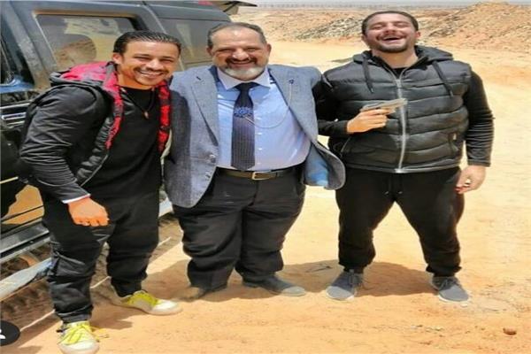 خالد الصاوى مع أحمد الفيشاوى وأحمد داود أثناء تصوير «ولاد رزق٢»