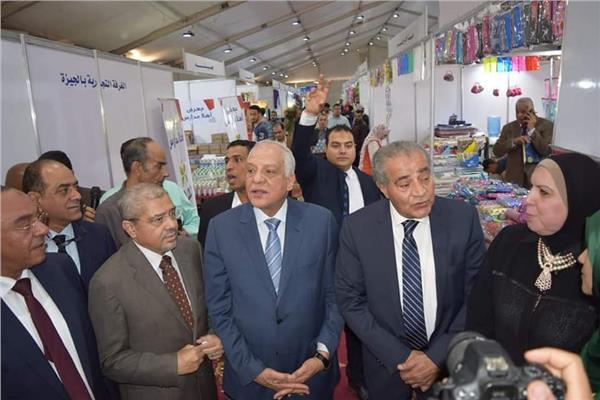 الدكتور علي المصيلحي وزير التموين واللواء أحمد راشد محافظ الجيزة
