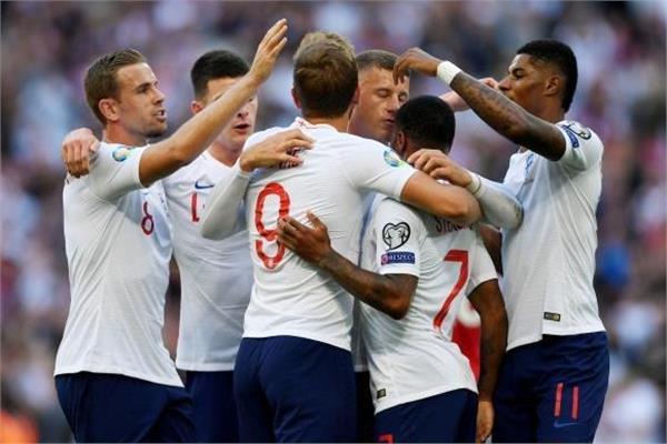 فرحة لاعبي إنجلترا بالفوز