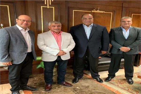مجلس غرفة ملاحة الإسكندرية يلتقي اللواء طارق شاهين رئيس الميناء الجديد