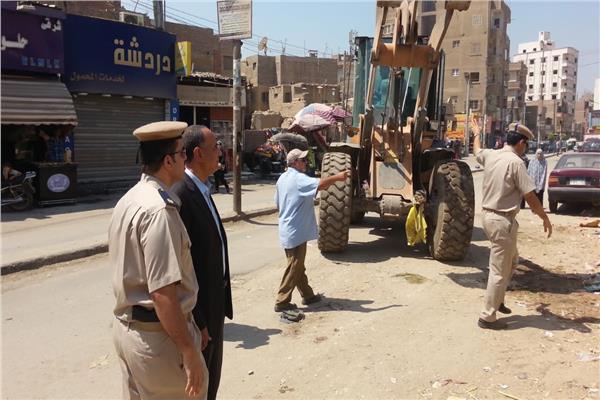 حملة لإزالة التعديات على الرقعة الزراعية بمدينة الخانكة