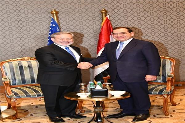 مباحثات ثنائية لدعم التعاون المصرى الامريكى فى مجال البترول