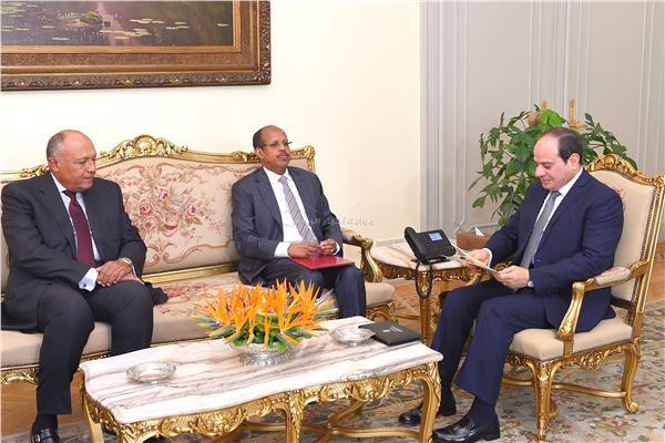 الرئيس يتسلم رسالة من نظيره الجيبوتي خلال لقاءه وزير الخارجية بحضور شكري
