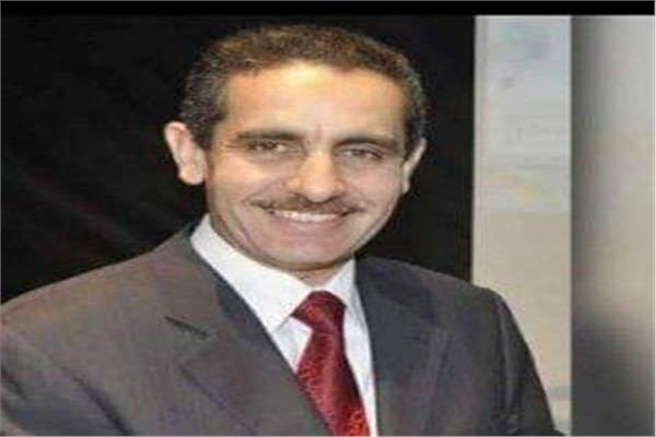 الدكتور طارق راشد رحمي رئيس جامعة قناة السويس
