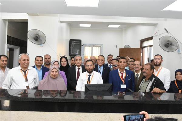 وزير التموين خلال افتتاح المركز المطور بالشرقية