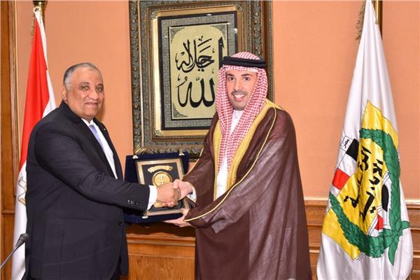 رئيس هيئة الرقابة الإدارية يستقبل سفير مملكة البحرين