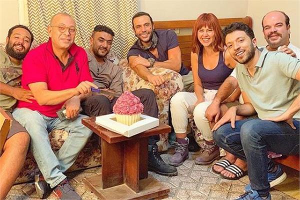 محمد إمام يحتفل بعيد ميلاده داخل لوكيشن «لص بغداد»