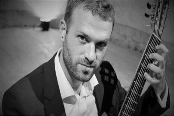 عازف الجيتار الكرواتي بيتر تشوليتش