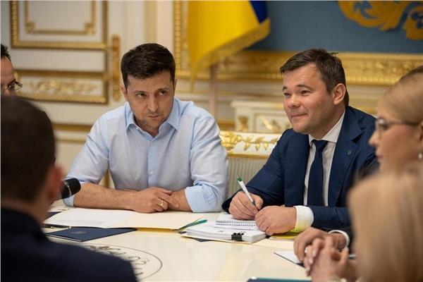 مكتب الرئيس الأوكراني: الاتصالات مع بوتين تعطي الأمل بالسلام في دونباس