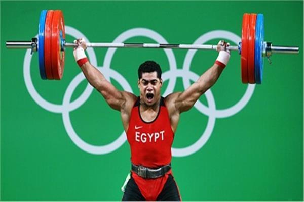 البطل المصري لرفع الأثقال محمد إيهاب