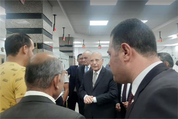 وزير العدل قى زيارة مفاجئة لمجمع المحاكم والشهر العقارى ببورسعيد