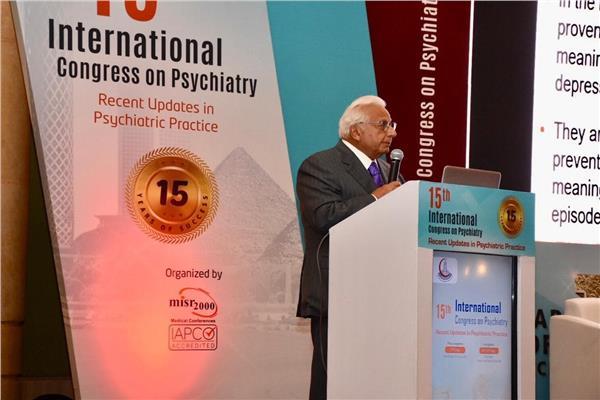 الدكتور أحمد عكاشة رئيس الجمعية المصرية للطب النفسي