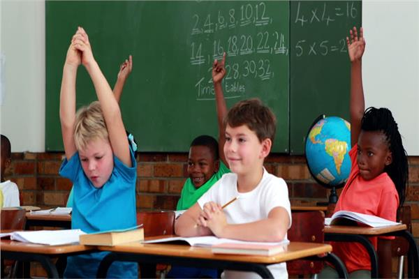 التعامل مع الأطفال أثناء الدراسة