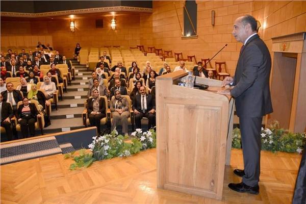 وزير الطيران: يشيد بدور العلاقات العامة والإعلام في المعارض والمؤتمرات الدولية
