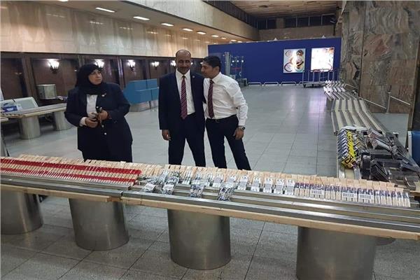 جمارك مطار القاهرة تضبط محاولة تهريب كمية من المكملات الغذائية ومستحضرات التجميل