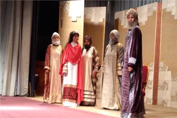 """العرض المسرحى """"مملكة الذهب"""" للمكفوفات يلهب حماس الجمهور"""