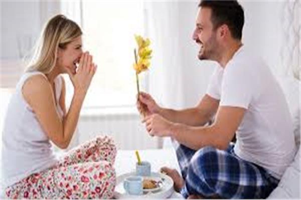 25 عبارة تجعل زوجتك سعيدة دائمًا