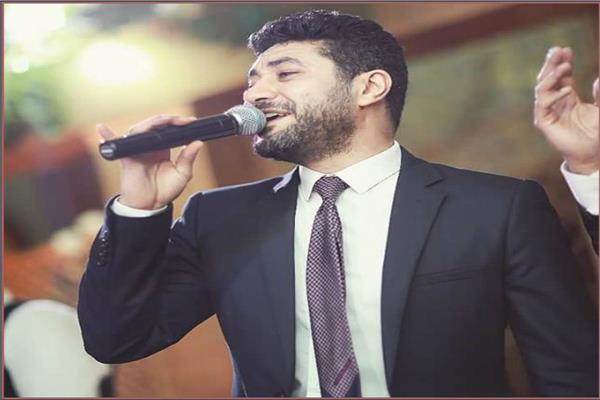 الفنان محمد عز