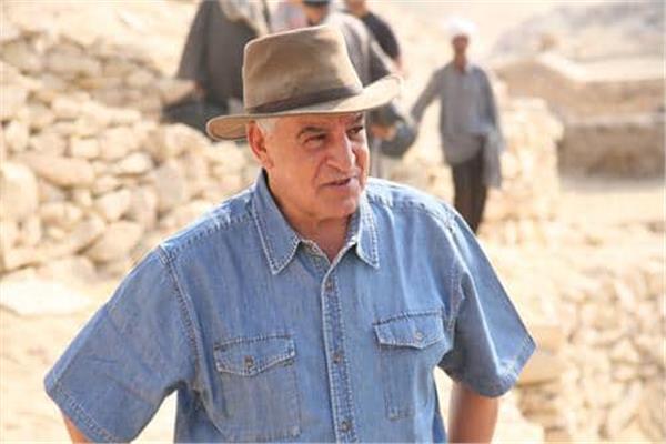 الدكتور زاهي حواس عالم الآثار