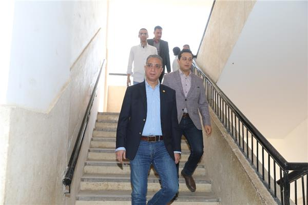 محافظ سوهاج بجولة تفقدية مفاجئة صباح اليوم الخميس