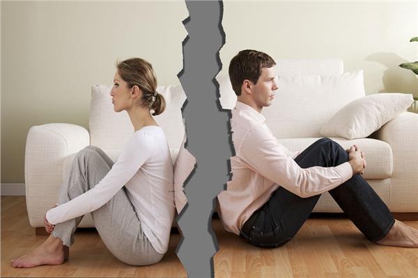 الانفصال السري بين الأزواج.. حبس انفرادي تحت سقف واحد