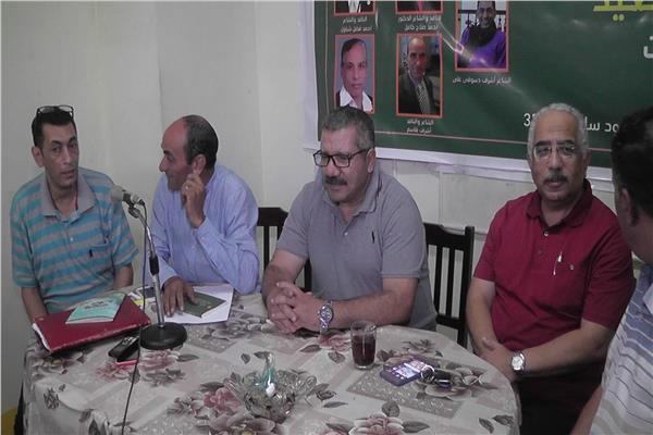 اتحاد كتاب مصر بالاسكندريةيكشف فى مناقشاتة الهامة لديوان سيعود من بلد بعيد لمحمد الشحات