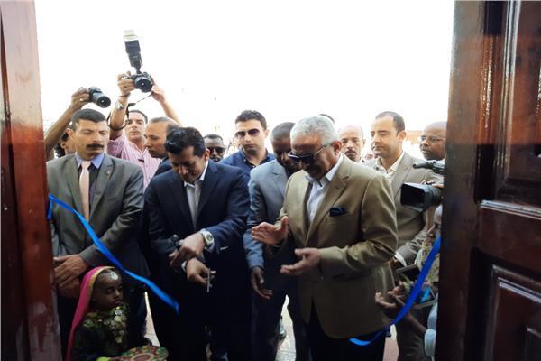 وزير الشباب والرياضة خلال أفتتاح مشروع رياضي استثماري للسويس