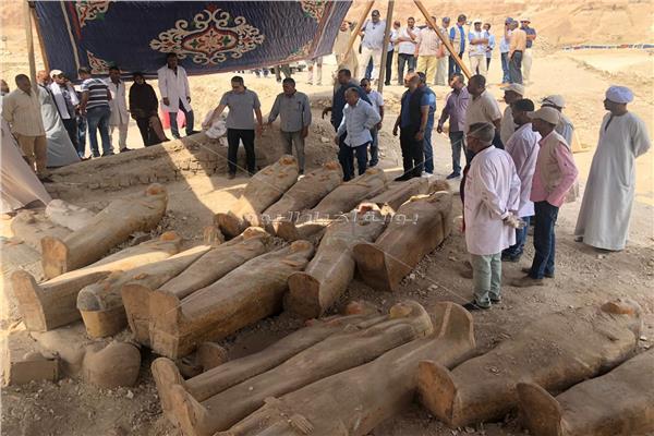 وزير الآثار يتفقد أعمال البعثة بجبانة العساسيف