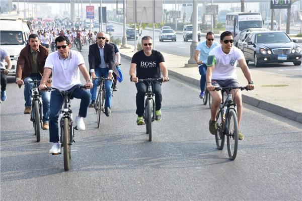 وزير الرياضة بقود ماراثون «دراجات» بجامعة مصر للعلوم والتكنولوجيا