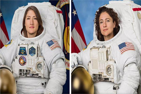 رائداتان الفضاء من ناسا كريستينا كوتش وجيسيكا مائير