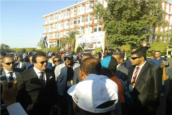 وزير التعليم العالي : تنظيم جامعة أسوان لأسبوع الجامعات الأفريقية انجاز كبير.