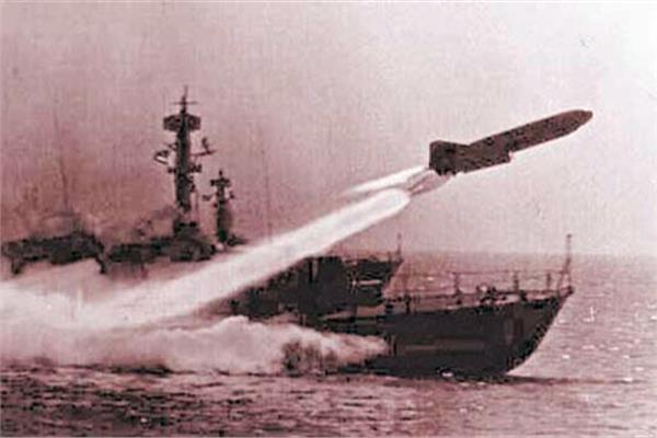 القوات البحرية خلال تدمير المدمرة إيلات